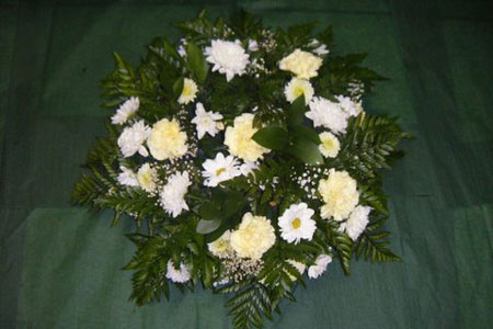 Traditional white bouquet mix